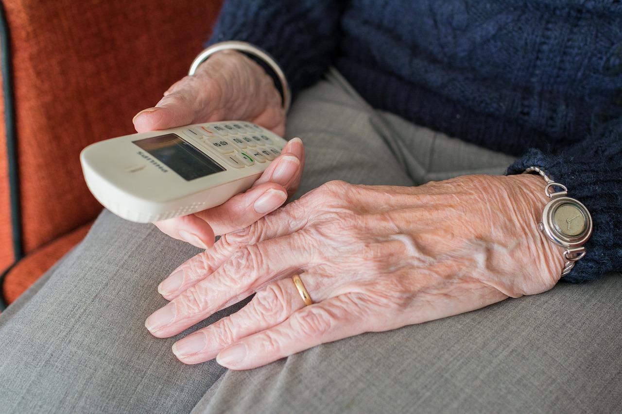 Difusión del testamento vital y apoyo a los cuidados paliativos